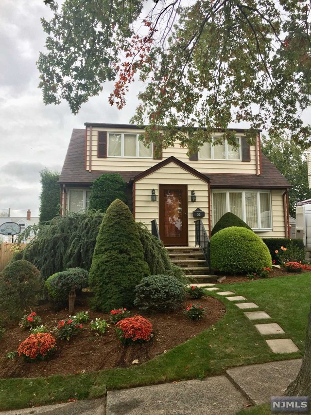 hasbrouck heights latin singles Single family home for sale in hasbrouck heights, nj for $420,000 with 3 bedrooms and 2 full baths, 1 half bath the lot size is 57x96.